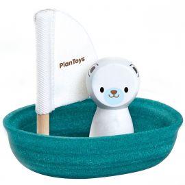 Coole zeilboot met Ijsbeer voor in bad
